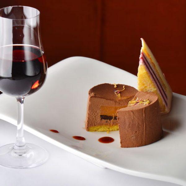 עוגת השכבות שלנו ויין קינוח