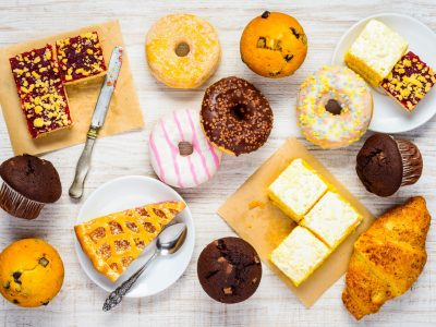 שולחן ובר עוגות