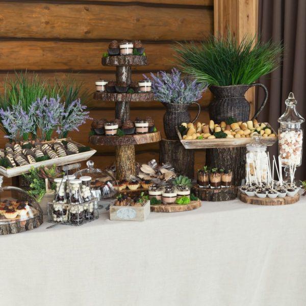 שולחן ממתקים ושוקולד